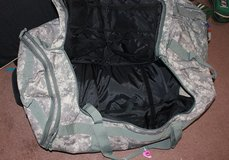 Extra large military travel bag in Fort Knox, Kentucky