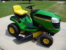 JOHN DEERE 42'' D100 MOWER in Perry, Georgia