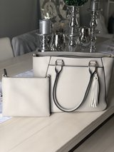 High Quality Taupe Handbag in Fort Leonard Wood, Missouri