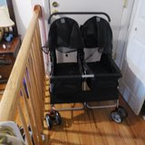 Double pet stroller in Glendale Heights, Illinois