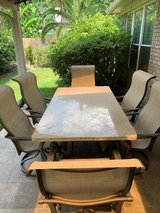 Outdoor Dining Table & Chairs in Kingwood, Texas