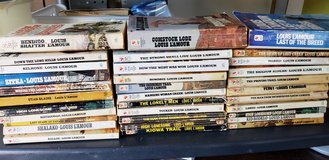 LOT OF 33 VINTAGE LOUIS LAMOUR WESTERN PAPERBACK BOOKS in Macon, Georgia
