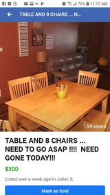 Kitchen table set with 8 chairs in Morris, Illinois