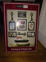 10 pcs. Family Photo Set in Fort Campbell, Kentucky