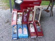 10 dolls in Fort Knox, Kentucky