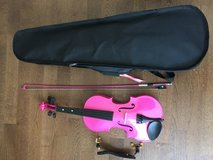Pink violin with case and shoulder rest in Stuttgart, GE