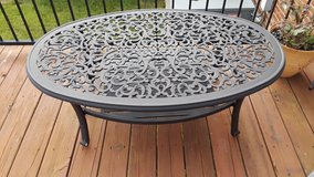0val outdoor patio table in Fort Campbell, Kentucky