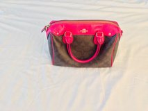 Cute Leather Coach Purse (EUC) in Camp Lejeune, North Carolina