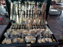 New WM Rogers & Son Enchanted Rose Gold Plated Flatware Silverware 50 Piece in Conroe, Texas