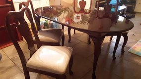 dining table + 4 chairs in Alamogordo, New Mexico