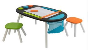 KidKraft Deluxe Chalkboard Art Table w/Stools in Fort Lewis, Washington