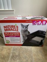 Self cleaning litter box in Camp Pendleton, California