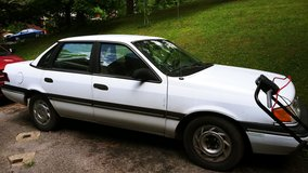 1990 Ford Tempo in Fort Campbell, Kentucky