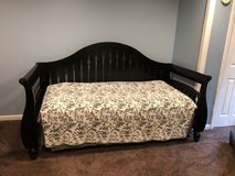 Daybed with trundle in Joliet, Illinois