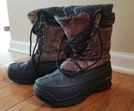 Boys winter boot size 2 in St. Charles, Illinois