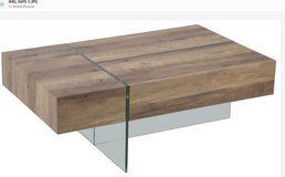 United Furniture - Coffee Table - Model R8314-39 in Ansbach, Germany