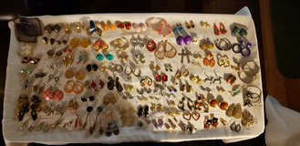 COSTUME JEWELRY EARRINGS in St. Charles, Illinois