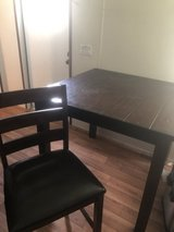 Counter high table w/4 chairs in Liberty, Texas