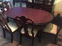 Price reduced!!! 8pc Dining Set- great condition in Kingwood, Texas