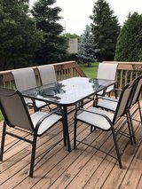 Patio table and 6 chairs in Naperville, Illinois
