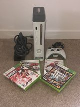 Xbox 360 W/4 games and remote in Fort Lewis, Washington