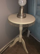 Small cute side table (off white/beige) in Bellaire, Texas