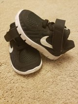 Baby nike shoes size 3c (Hesperia ) in Barstow, California