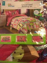 Girls Twin Bedding 5 pieces in Perry, Georgia