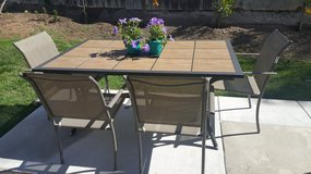 Outdoor Patio Table Like new with 4 chairs.  Bonus Umbrella and wrought iron umbrella stand!! in Camp Pendleton, California