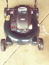 "21"" push mower briggs stratton in Glendale Heights, Illinois"