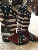 size 8 Women's American Cowboy Boots in Bolingbrook, Illinois