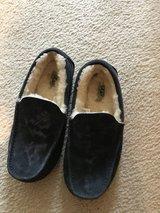 Men's Ugg Slippers size 7 in Bolingbrook, Illinois