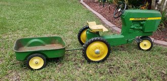 Entril no. 520 John Deere pedal tractor with wagon in Warner Robins, Georgia