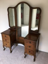 Antique vanity in Naperville, Illinois