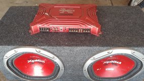 Car subwoofer with 500w amp in Chicago, Illinois