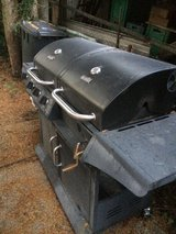 BBQ - Charbroil w/ gas and charcoal in Stuttgart, GE