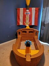 Litte Tike Pirate Ship Toddler Bed in Fort Campbell, Kentucky