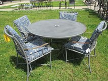 Outdoor Table and 4 Chairs in Westmont, Illinois
