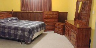 Queen bedroom set in Oswego, Illinois