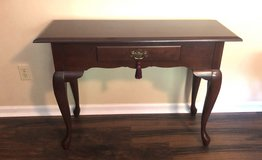 Foyer/Entrance Table in Excellent Condition! in Beaufort, South Carolina
