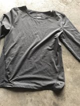 Girls 14/16 long sleeved top in Chicago, Illinois