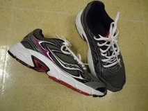 Women's Saucony Grid Marauder 2 Running Shoes Size 6.5 B in Fort Benning, Georgia