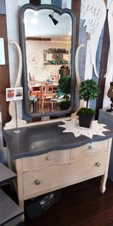 Swivel Mirror Dresser in Westmont, Illinois