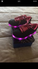 Girls Flash Lights Shoes sz 2 in Nellis AFB, Nevada