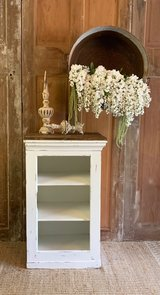 Cabinet with shelves in Kingwood, Texas