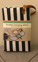 PORTABLE CHANGING STATION/PAD in Palatine, Illinois