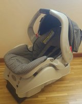 Baby car seat almost new in Ramstein, Germany
