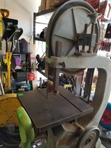 Band saw with stand in 29 Palms, California