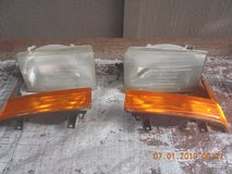 01 Ford Excursion head light set in Kingwood, Texas
