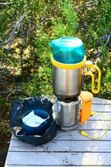 Biolite Electricity Generating Wood Camp Stove and 1.5L  Kettle Pot in 29 Palms, California